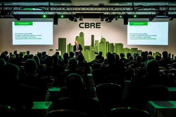CBRE - Investment Outlook - Congres